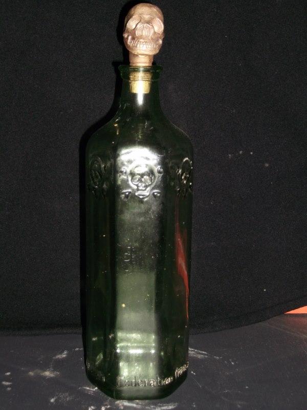 Bouchon tête de mort pour bouteille d'eau de vie